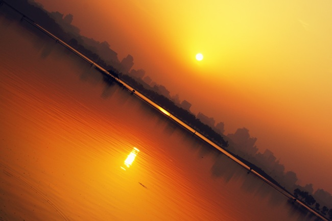 Sunrise at the West Lake, Hangzhou, China